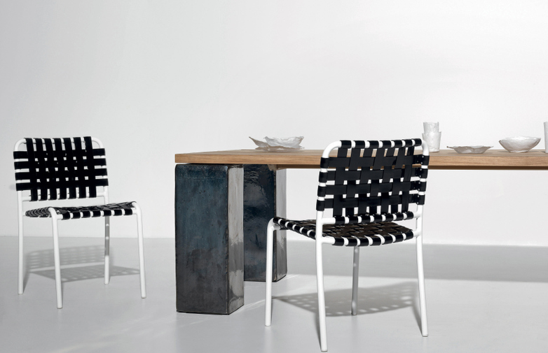 Inout 33 Dining Table – Anthracite