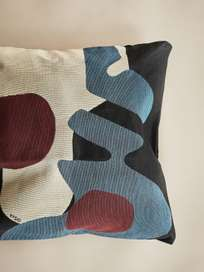 Tapestry Pillow – Black/Blue