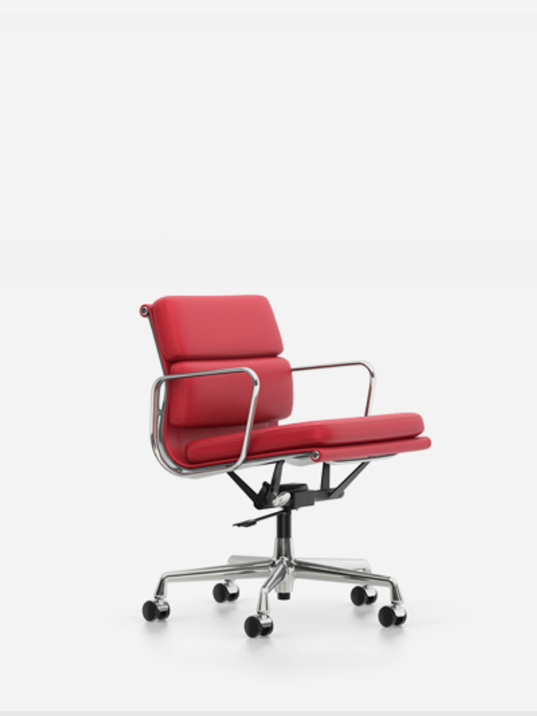 Eames Soft Pad Chair – EA 217 – Chrome – Red