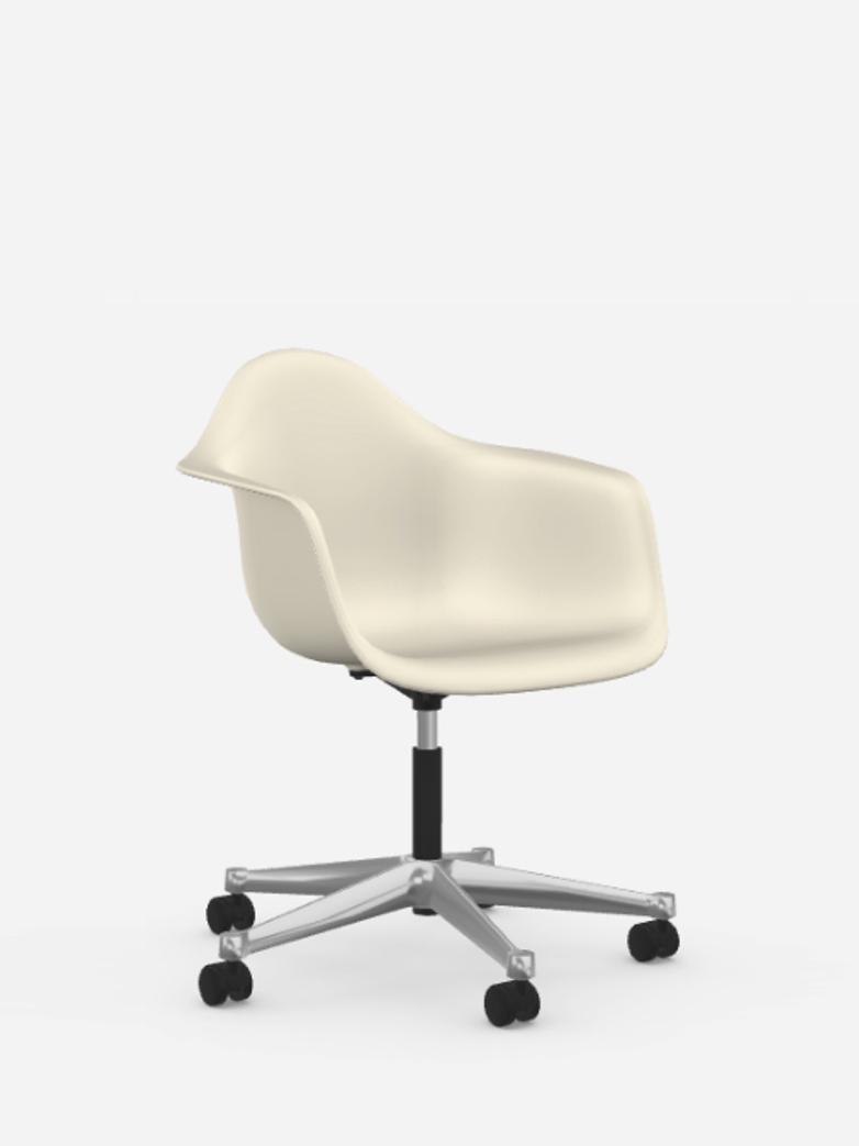 Eames Plastic Armchair – PACC – Pebble