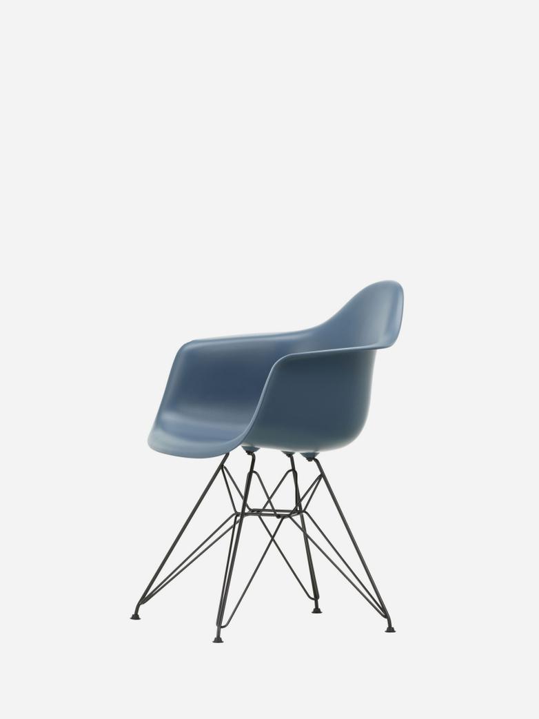 Eames Plastic Chair – DAR – Sea Blue/Black