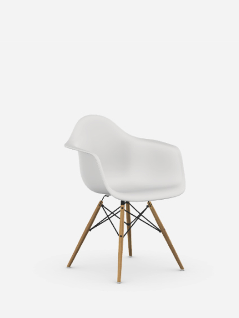 Eames Plastic Chair – DAW – Honey Tone Ash