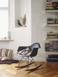 Eames Plastic Armchair – RAR – Black