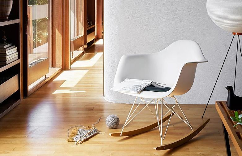 Eames Plastic Armchair – RAR – White/Green