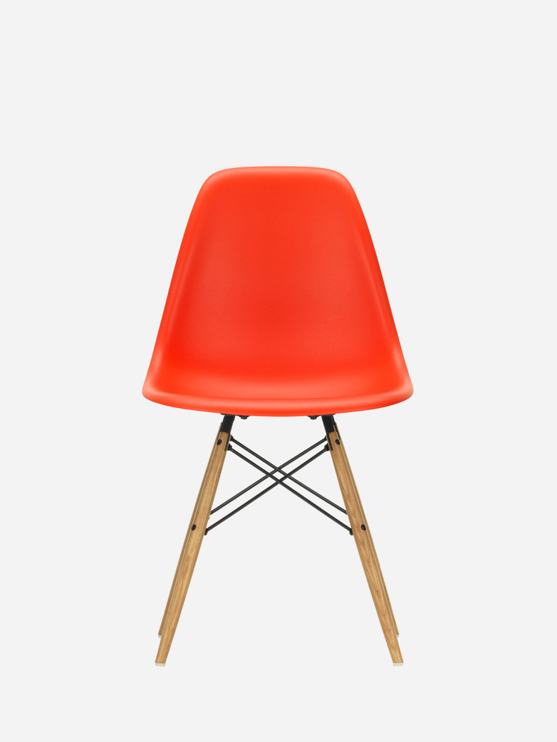Eames Plastic Chair – DSW – Poppy Red – Golden Maple