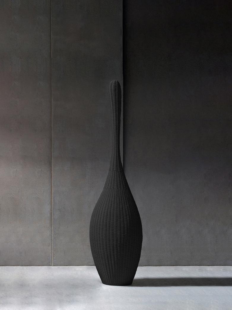Bolla M Standing Lamp – Black