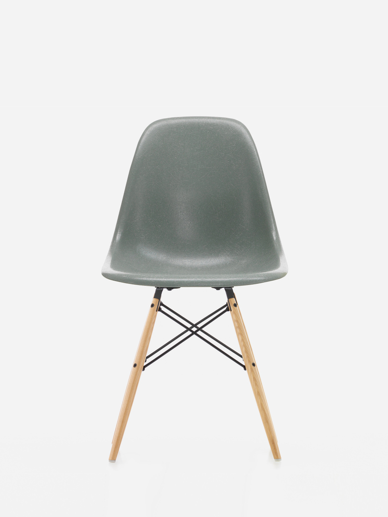 Eames Fibreglass Side Chair – DSW – Foam Green