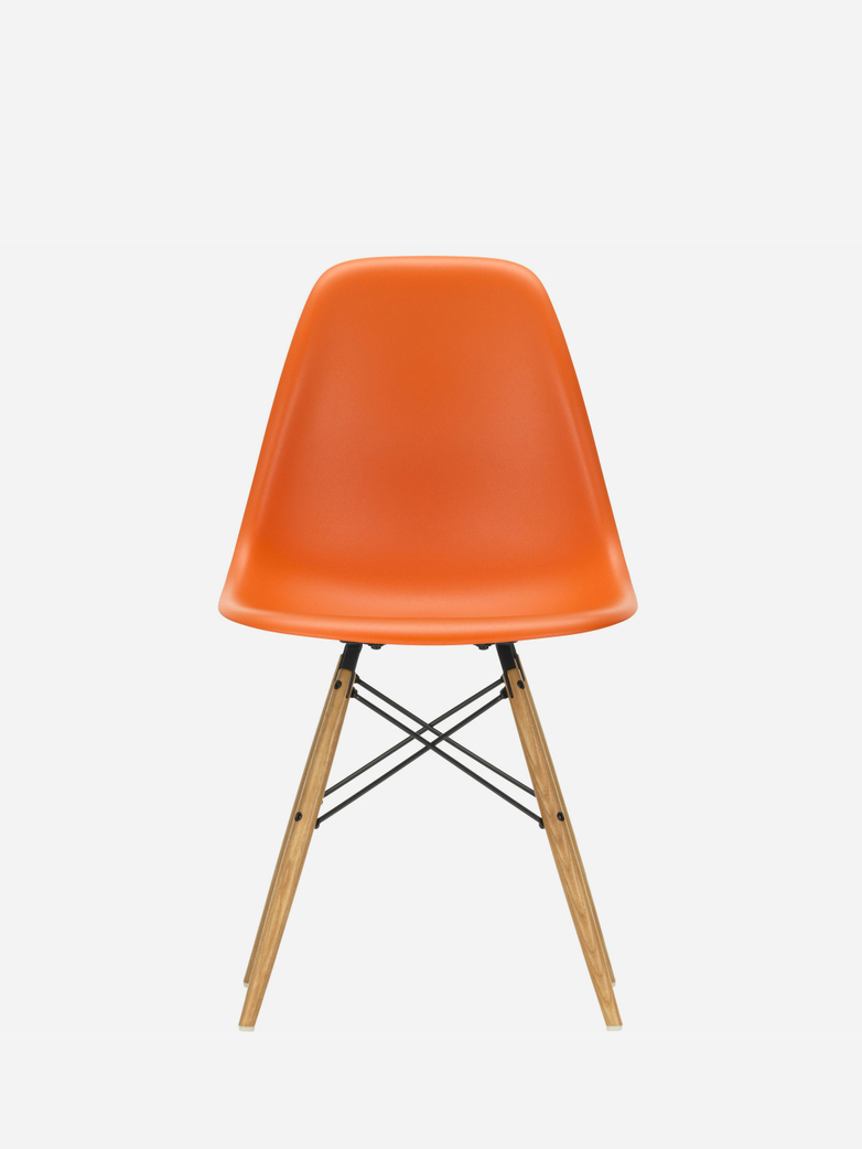 Eames Plastic Chair – DSW – Rusty Orange – Golden Maple