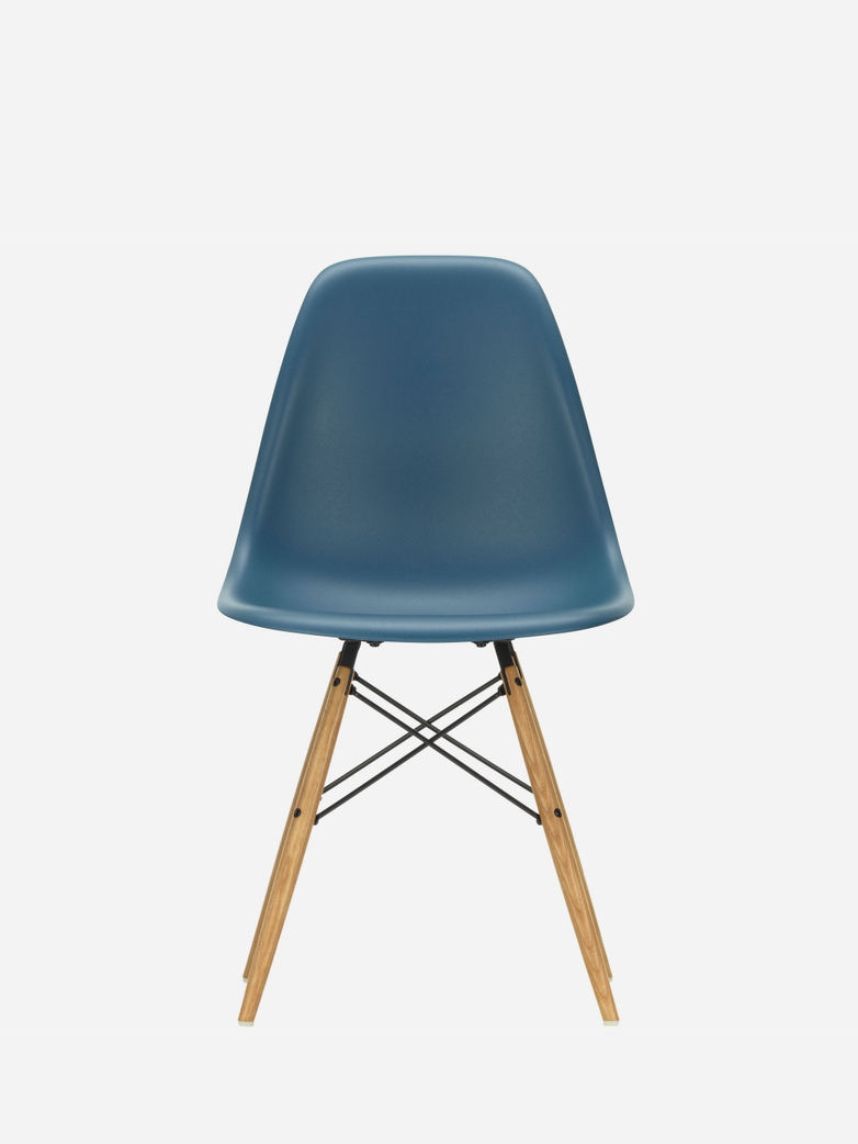 Eames Plastic Chair – DSW – Sea Blue – Golden Maple