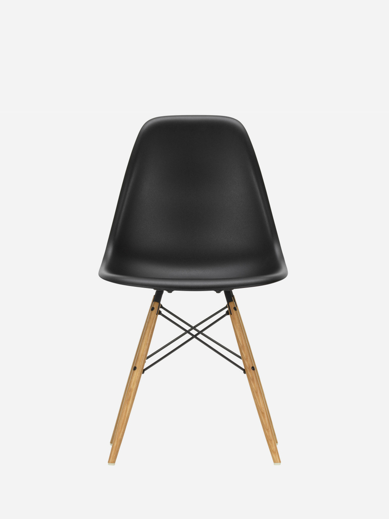 Eames Plastic Chair – DSW – Black – Golden Maple