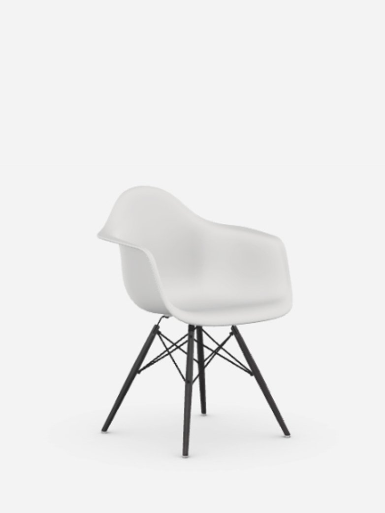 Eames Plastic Chair – DAW – Black Maple