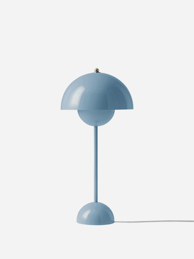 Flowerpot VP3 Table Lamp – Light Blue