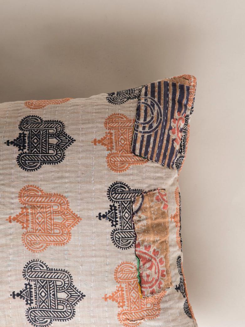 Sari Kantha – Beige – 50 x 70