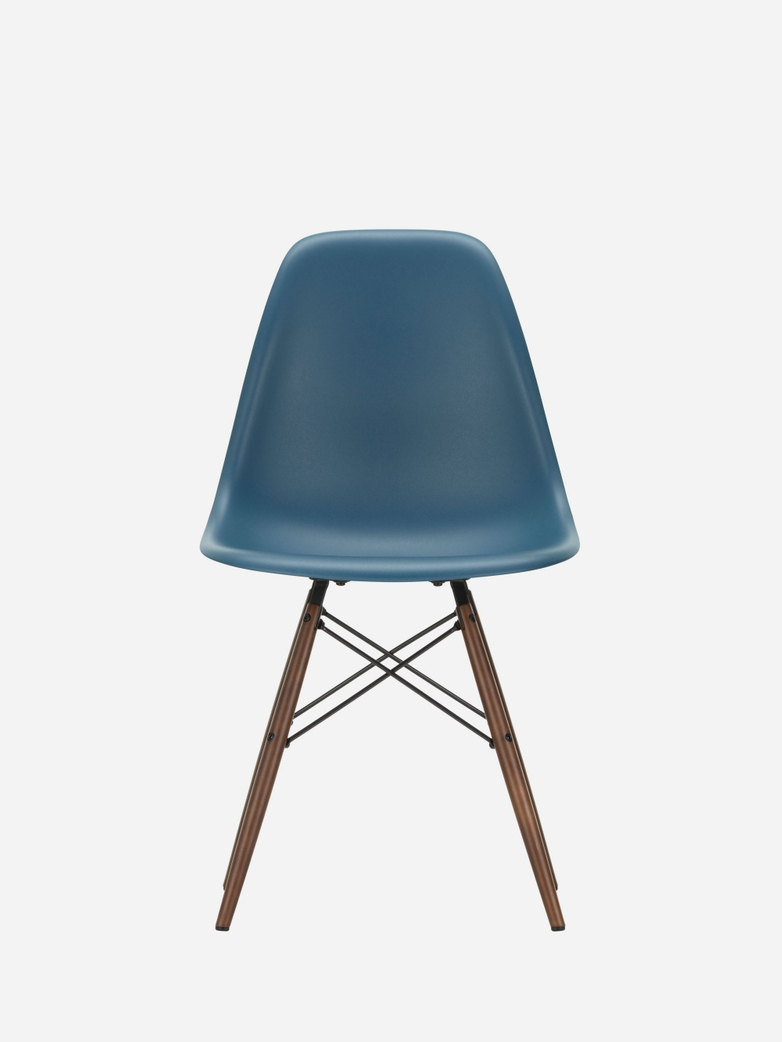 Eames Plastic Chair – DSW – Sea Blue – Dark Maple