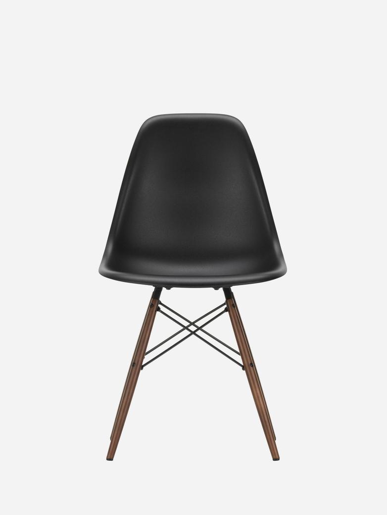 Eames Plastic Chair – DSW – Black – Dark Maple
