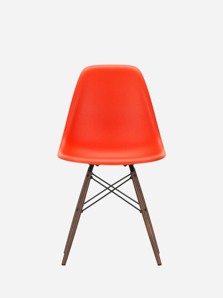 Eames Plastic Chair – DSW – Poppy Red – Dark Maple