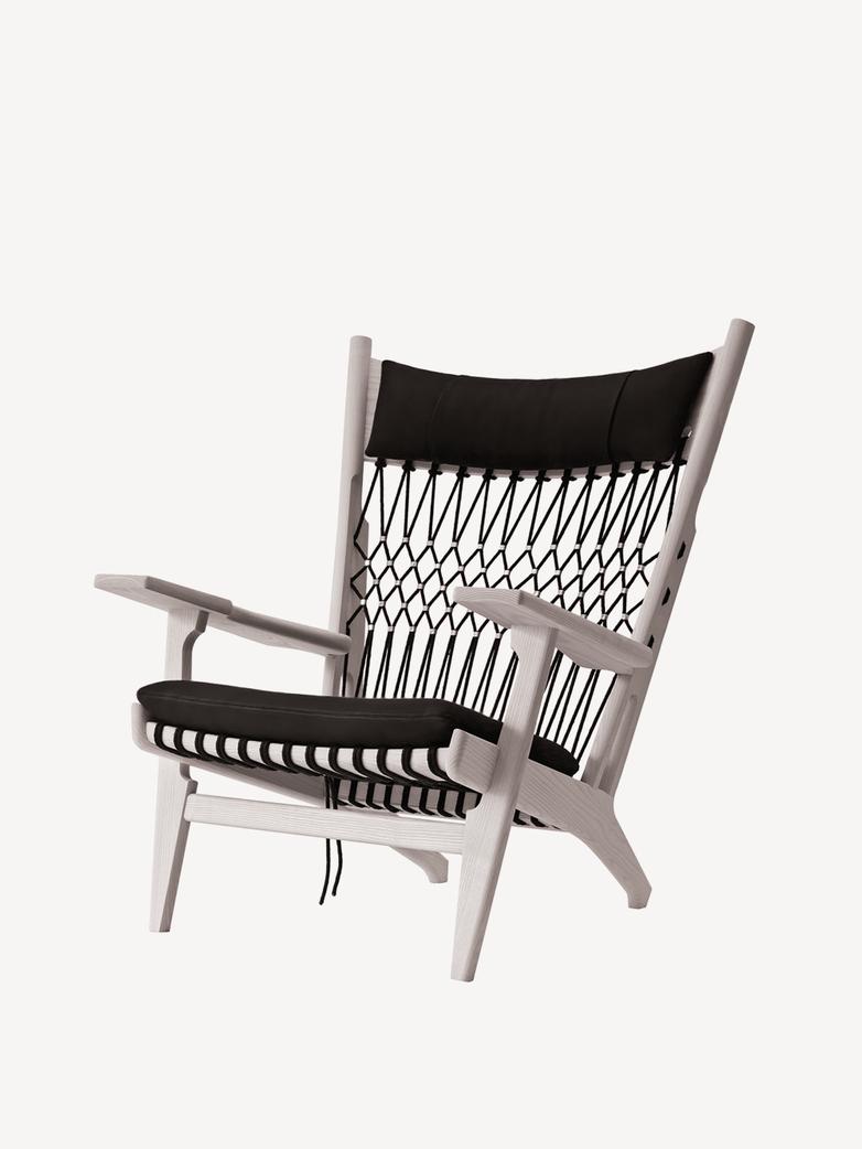 PP129 Web Chair – Soaptreated Oak – Standard Fabric – Rami