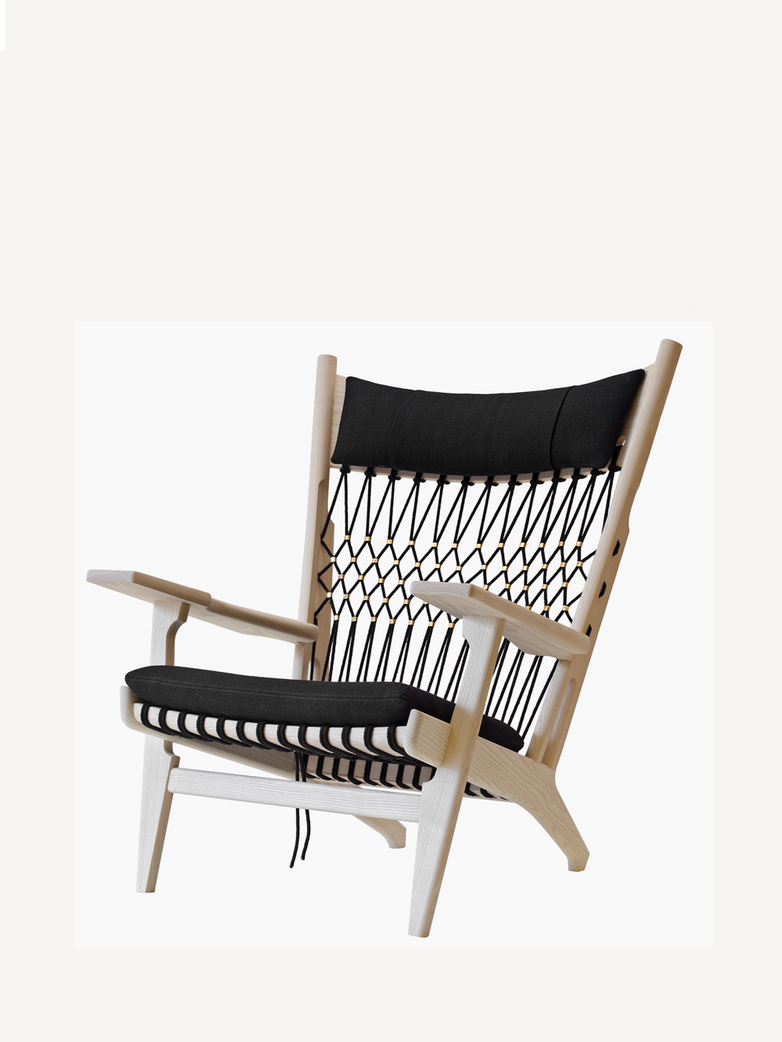 PP129 Web Chair – Soaptreated Ash