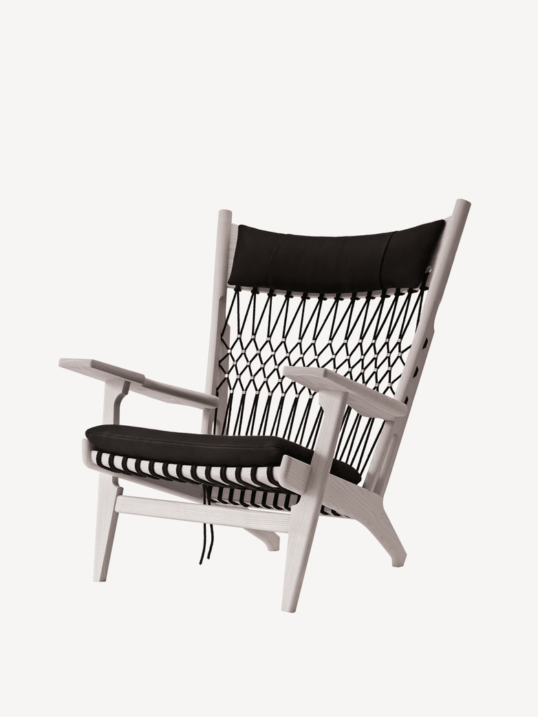 PP129 Web Chair – Lacquered Ash – Standard Fabric – Rami