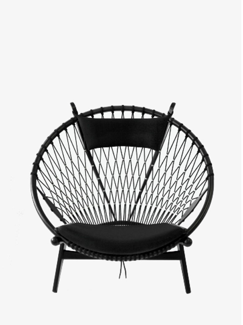 PP130 Circle Chair – Black Lacquered – Standard Fabric – Rami