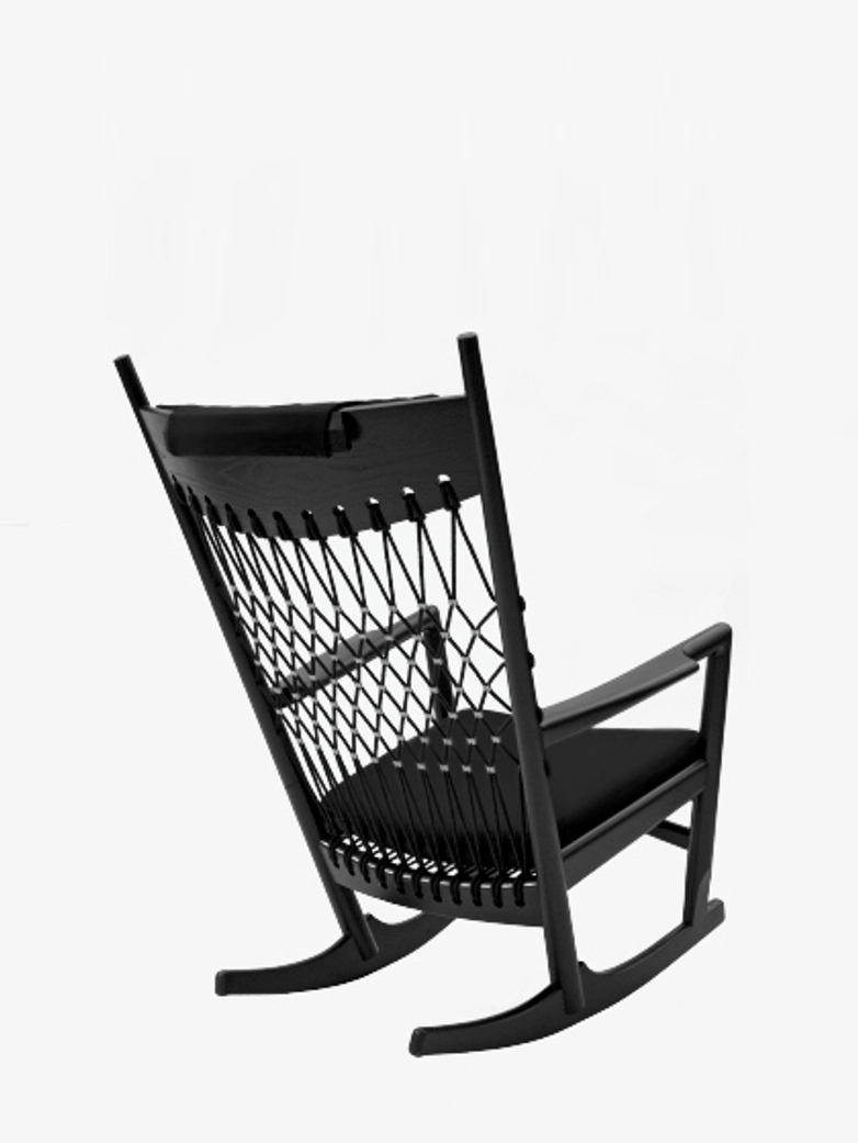 PP124 Rocking Chair – Black Lacquered – Black Leather