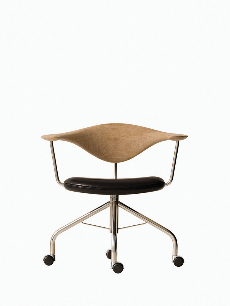 PP502 Swivel Chair – Black Leather