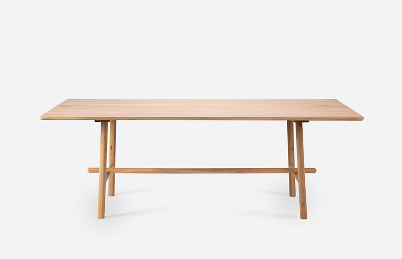 Profile Dining Table – Oak