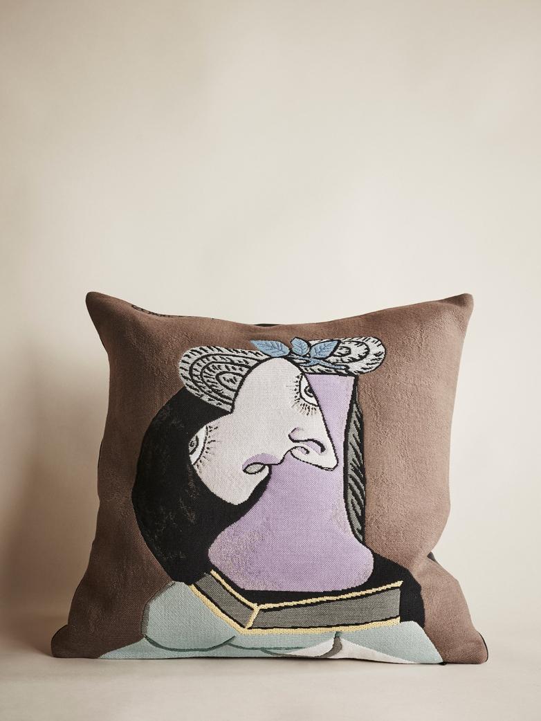 Picasso Cushion – La Chapeau de Paille au Feuillage Bleu – 45 x 45