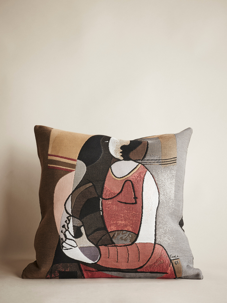 Picasso Cushion – Femme Assise – 45 x 45 cm
