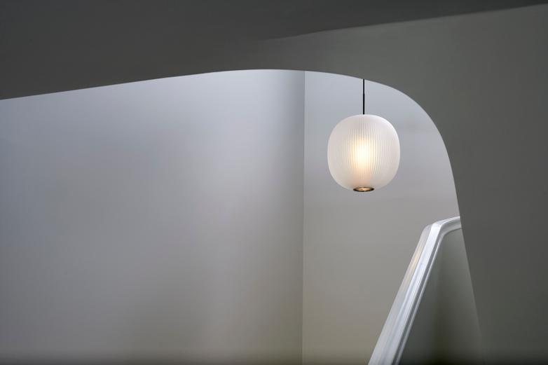 Bloom Pendant – White – Large
