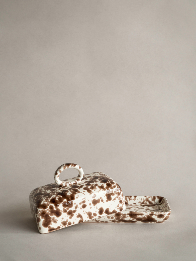Spruzzi Vivente - Butter Dish - Brown on Creme