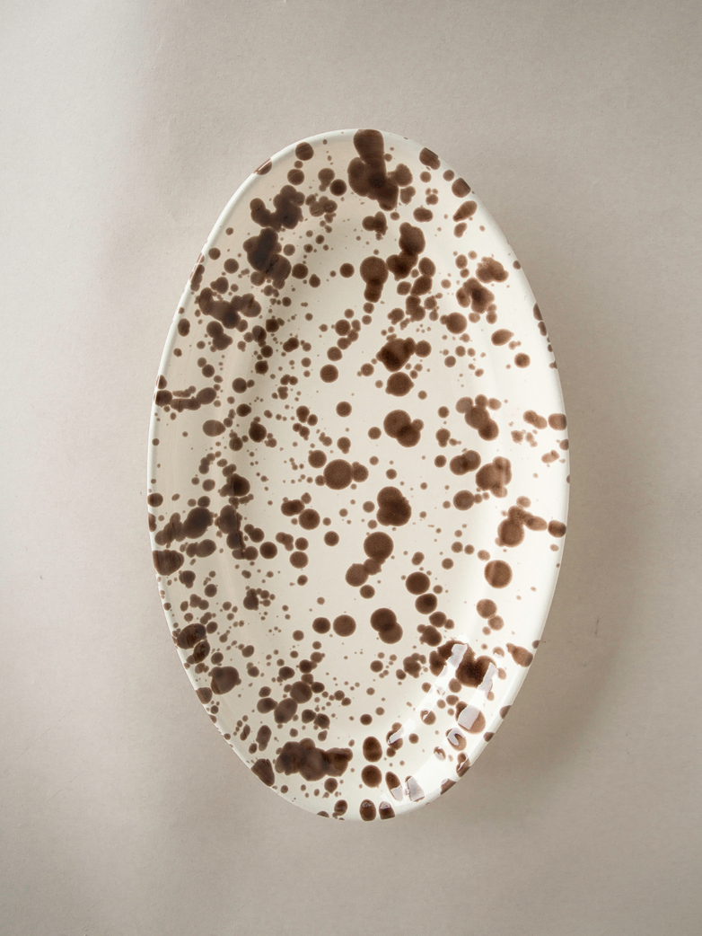 Spruzzi Vivente - Oval Plate Medium - Brown on Creme