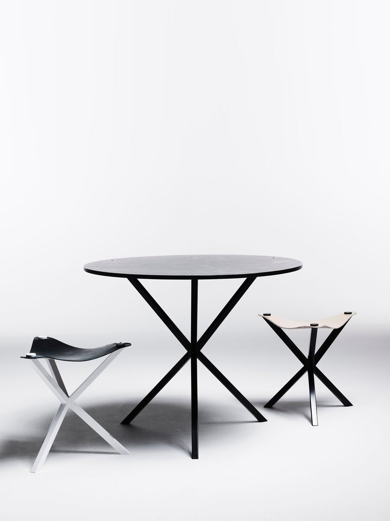 NEB Round Dining Table – Zinc/Black – Ø100