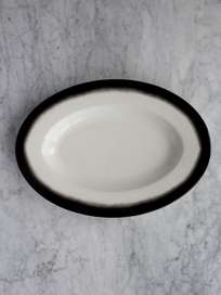 Pasta Dish Oval Black Edge - Medium