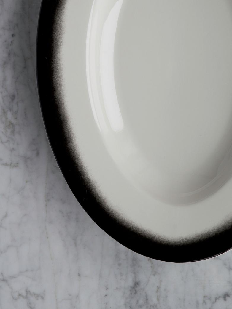 Pasta Dish Oval Black Edge - XL