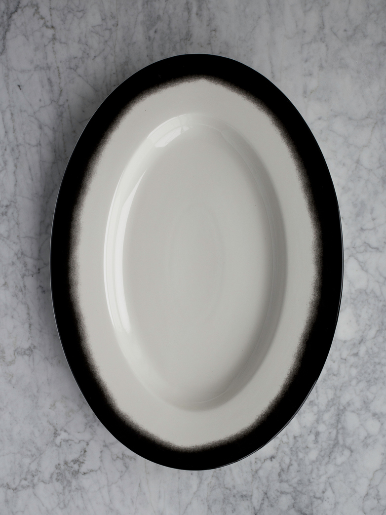 Pasta Dish Oval Black Edge - XL