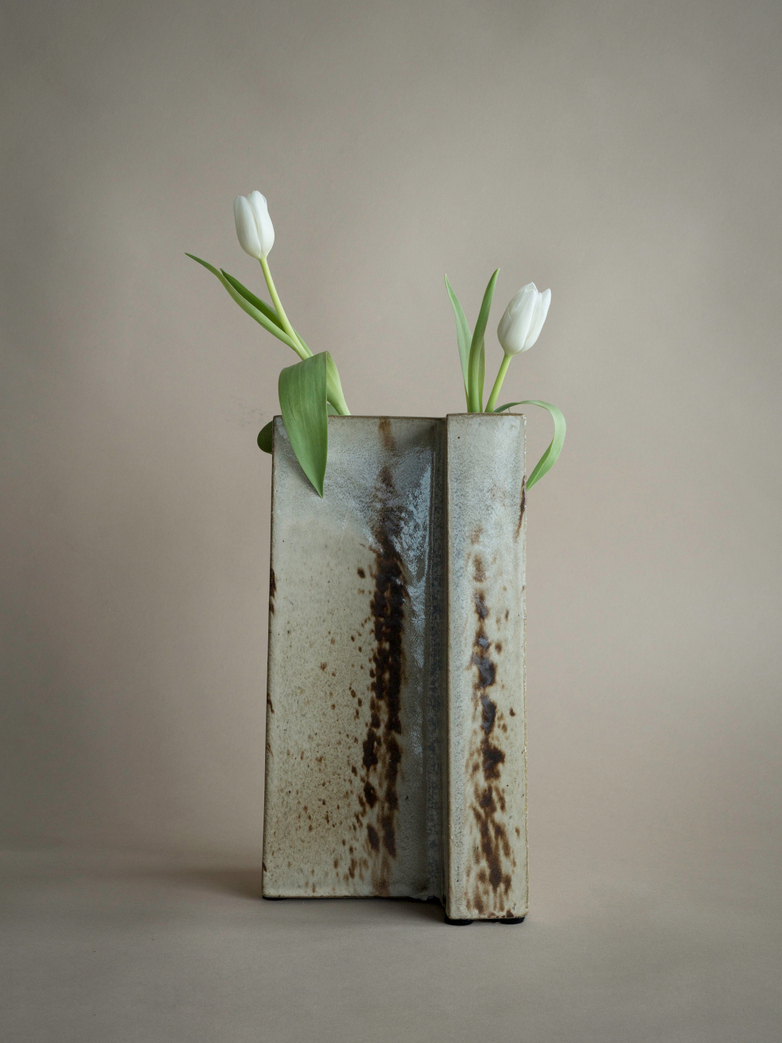 Yang Vase Glaze White Brown