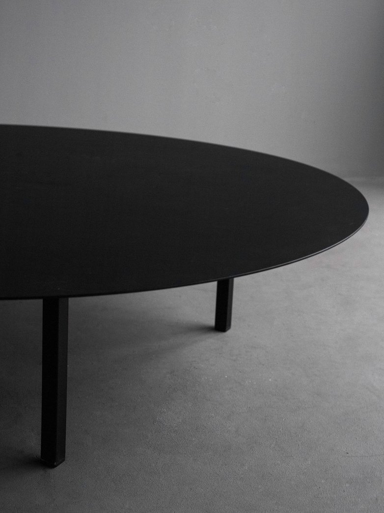 Bea Mombaers Table - 118 cm