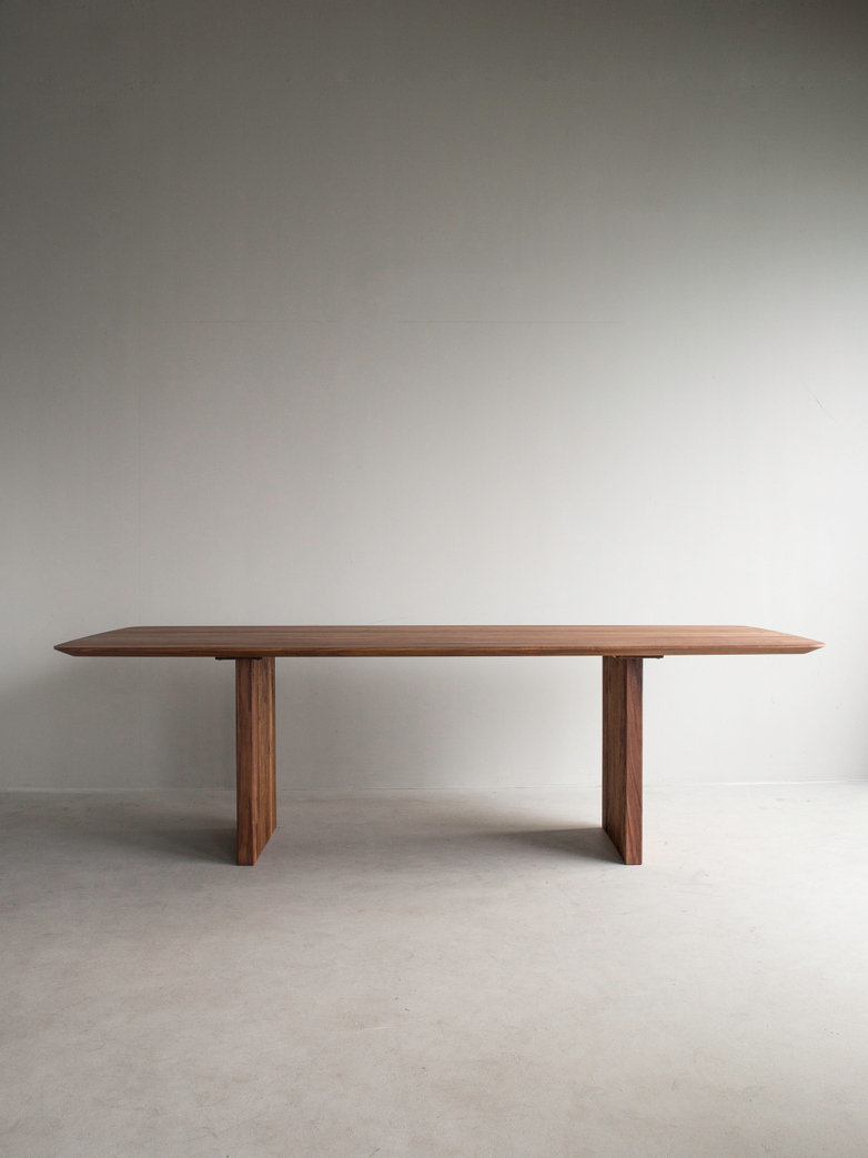 Ten Table 240 x 105 cm Walnut