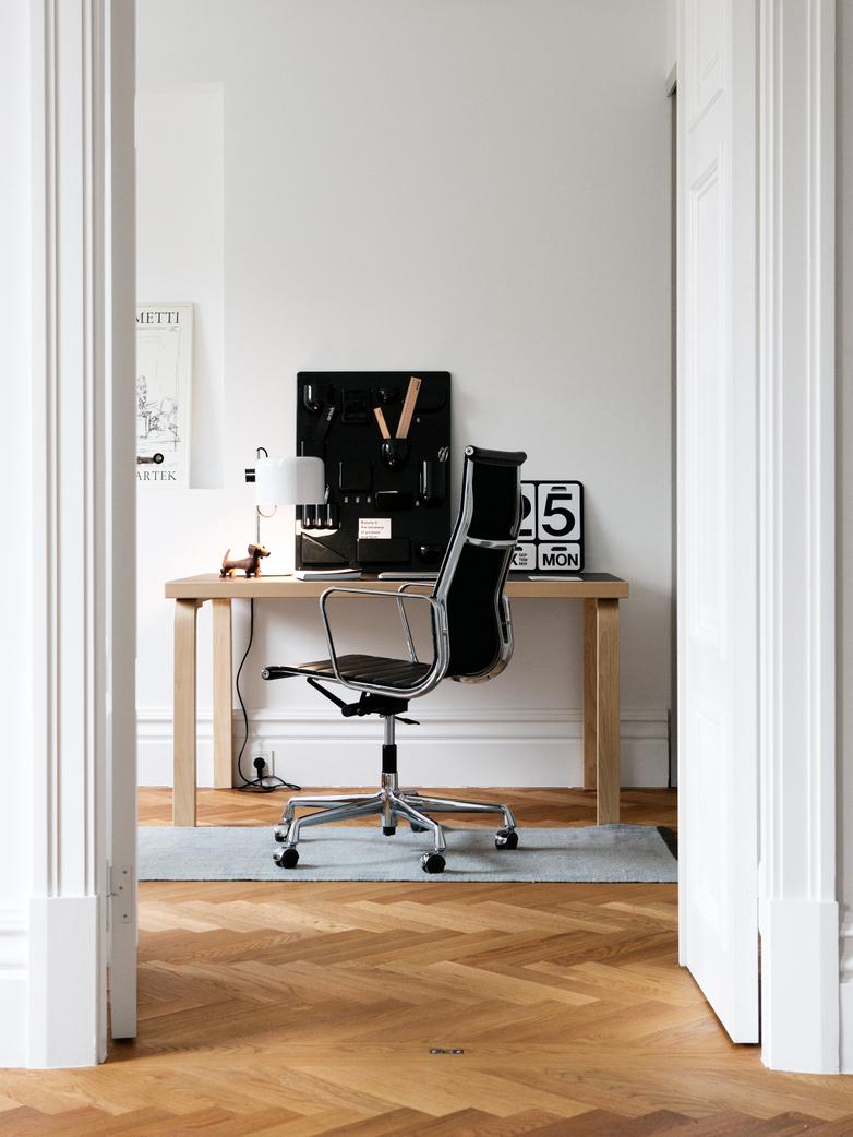 Aalto Table Rectangular 80B - Black Linoleum
