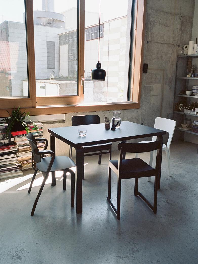 Aalto Table Rectangular 82B - Top Black Linolium - 135x85 cm