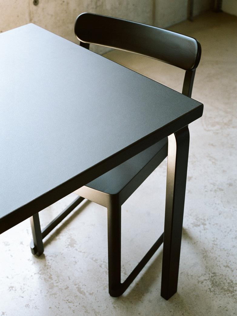 Aalto Table Rectangular 83 - Top Black Linolium - 182x91 cm