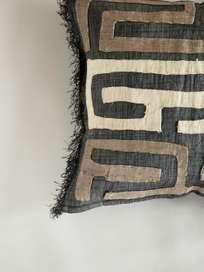 Kuba Cushion 526