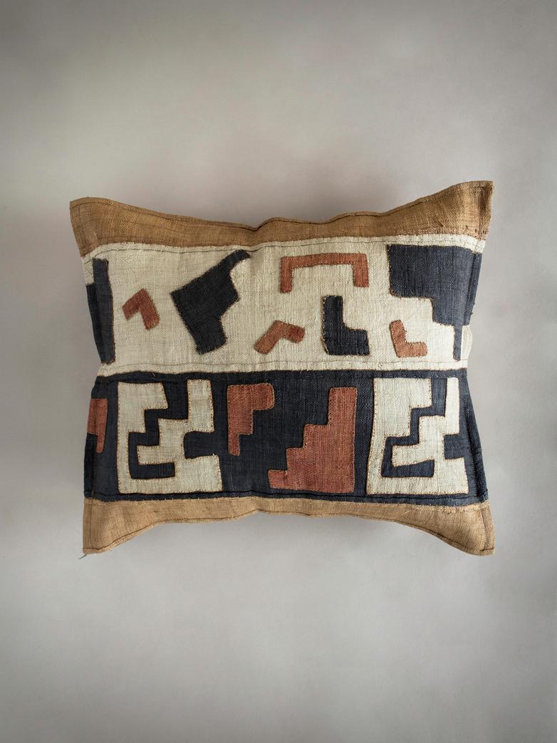 Kuba Cushion 444