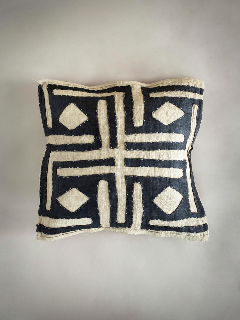 Kuba Cushion 477