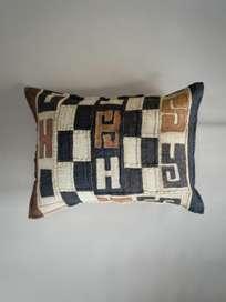 Kuba Cushion 457