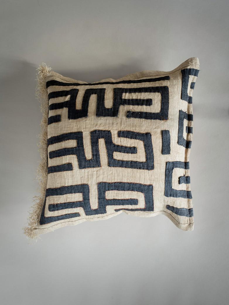 Kuba Cushion 367