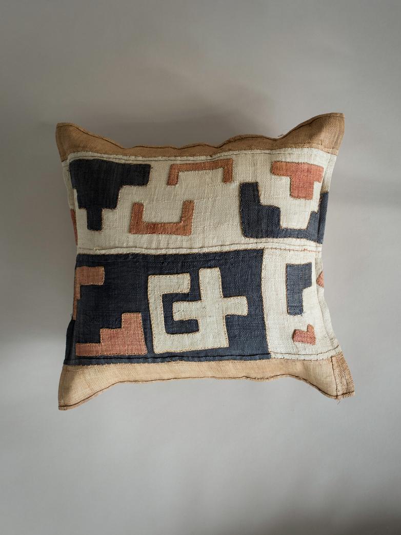 Kuba Cushion 640