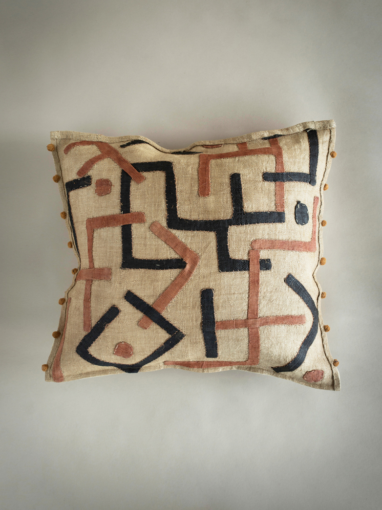 Kuba Cushion 369