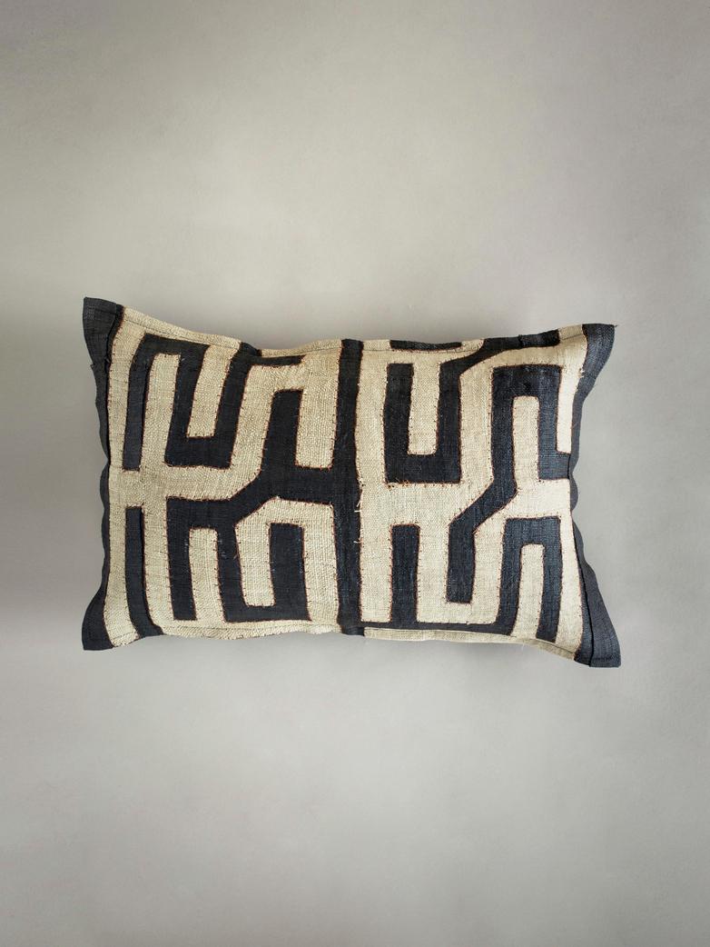 Kuba Cushion 645